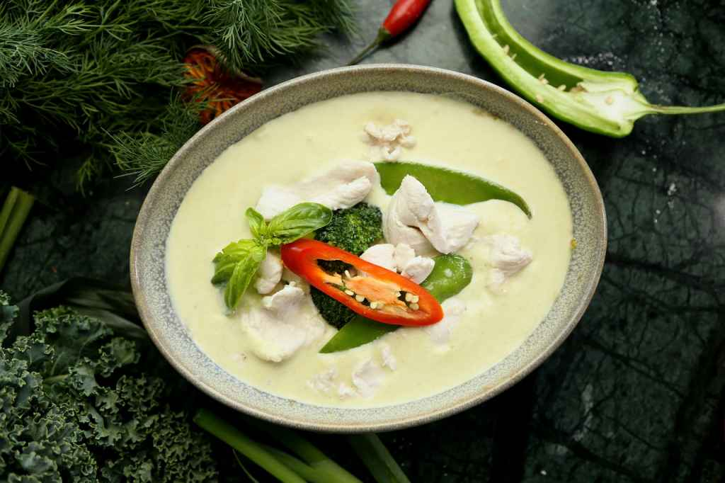 Gaeng Keow  Thai Green Chicken Curry